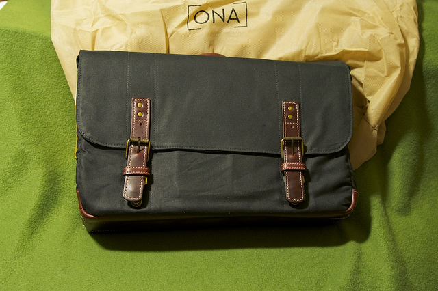 Ona Union Street Messenger Bag Review (2/6)
